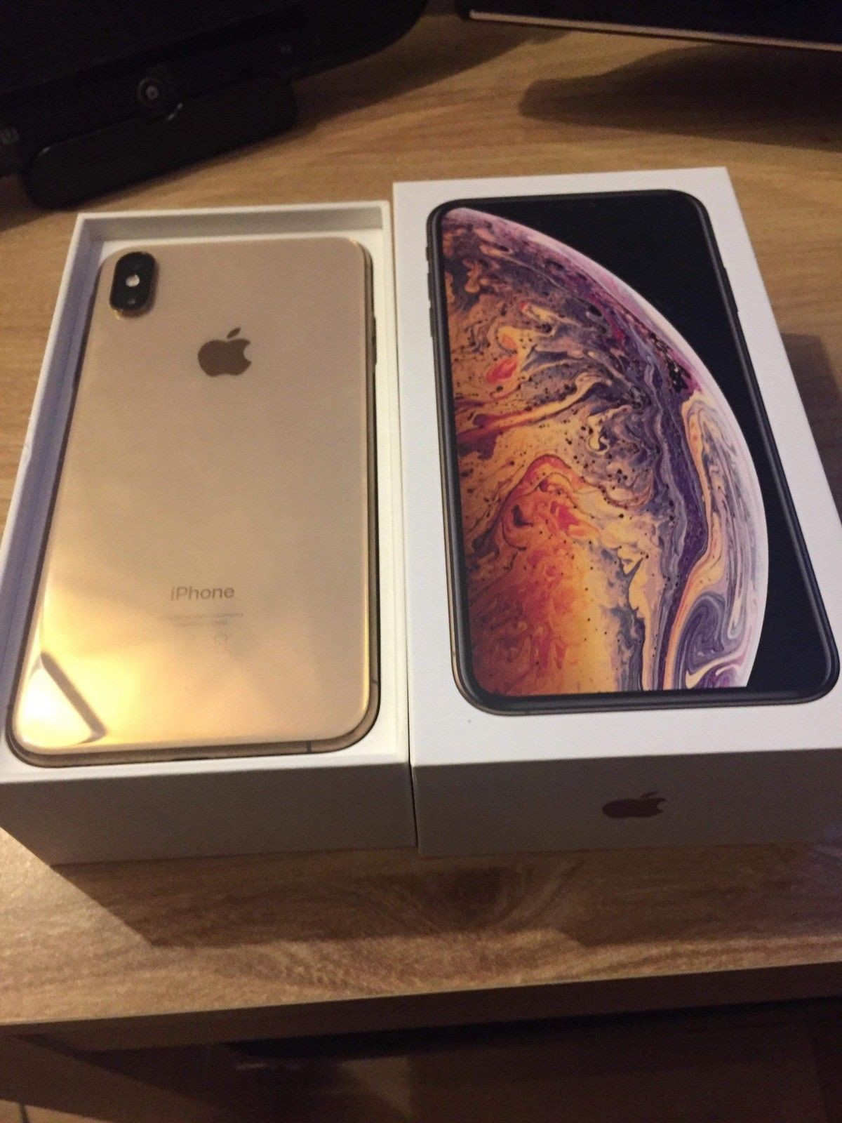 Apple iPhone Xs 64gb €400 iPhone Xs Max 64gb € - Great Britain - +447451238998