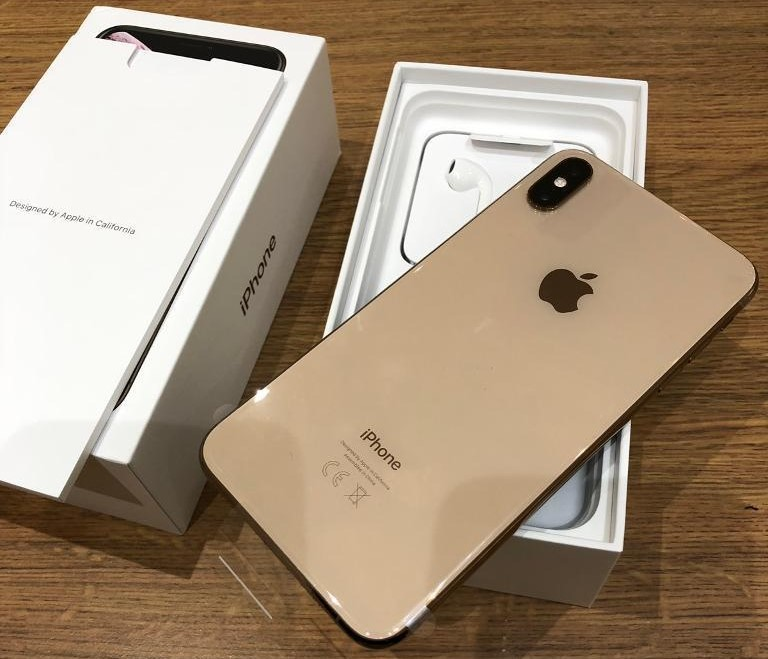 Apple iPhone XS 64GB = 400 EUR  ,iPhone XS Max 64G - South Africa - Whatsapp Chat : +27837724253